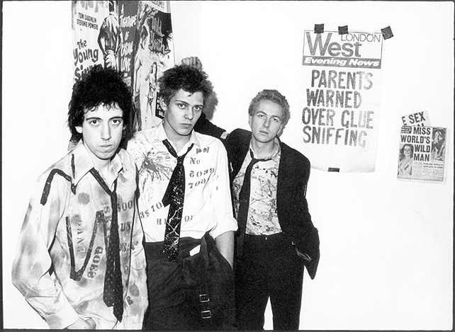 The Clash «Sniffing Glue» by Sheila Rock, 1977