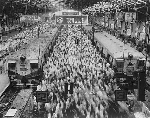 Sebastião Salgado, Church Gate Station, Bombay, India, 1995, Gelatin silver print, 125 x 180 cm