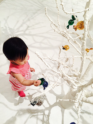 Elizabeth exploring Dream House by  Jee Young Lee, Photo credit: Rebecca Chew
