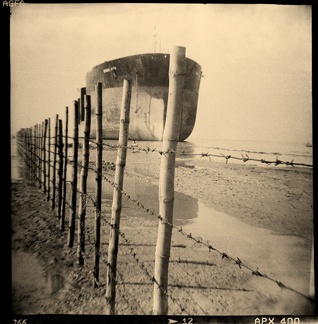Shumon Ahmed, Metal Graves 4, 2009, Photographic print on archival fine art paper, 76 x 76 cm