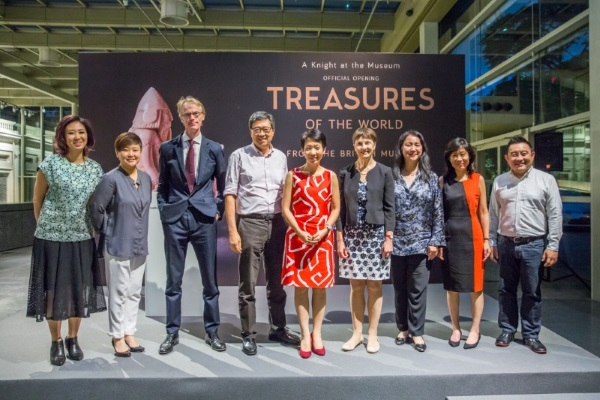 Ms Szan Tan, Senior Curator, National Museum of Singapore; Ms. Angelita Teo, Director, National Museum of Singapore; Mr Brendan Moore, Curator, British Museum; Mr. Richard Eu, Chairman, National Museum of Singapore Board; Ms. Grace Fu, Minister for Culture, Community and Youth; Ms. Jane Portal, Keeper of the Department of Asia, British Museum; Ms. Yeoh Chee Yan, Permanent Secretary, Ministry for Culture, Community and Youth; Mrs. Rosa Daniel, CEO, National Heritage Board; Mr Tan Boon Hui, Assistant Chief Executive, National Heritage Board.