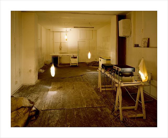 Dirt inside, 15 x 18, Martin Eberle