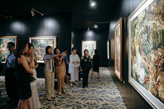 Visitors at the Affandi - The Human Face Exhibition