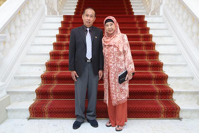 Cultural Medallion recipients Mr Koh Mun Hong (left) and Mdm Asiah Aman (Nona Asiah) (right)